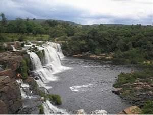 https://dicasdomundo.com.br/attachments/345-cachoeira_grande_na_serra_do_cip-.jpg