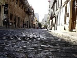 http://dicasdomundo.com.br/attachments/521-san-telmo-calle-defensa.jpg