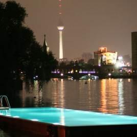 Das Badeschiff: uma das piscinas mais extraordinárias da Europa