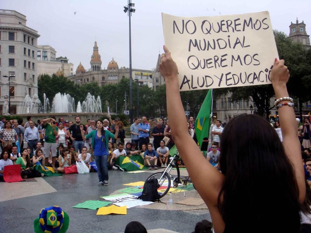 """""""Não queremos Copa do Mundo, queremos saúde e educação"""""""
