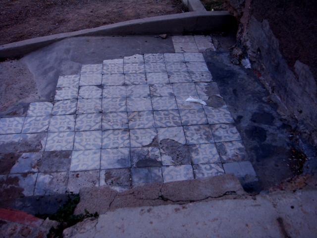 Azulejos das antigas casas do bairro dels Canons