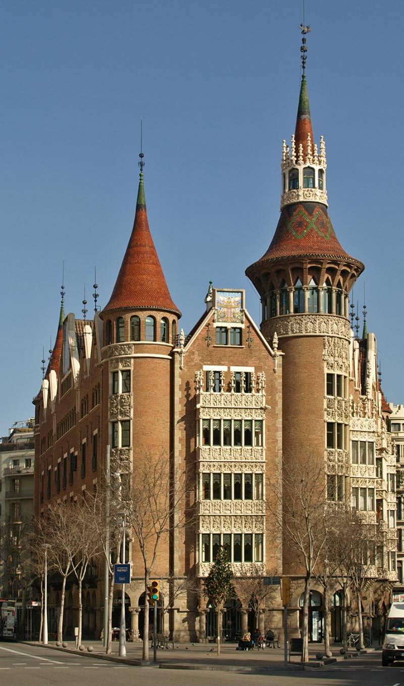 casa-punxes-barcelona