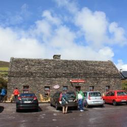 Stonehouse Restaurante em frente ao Dunbeg Fort